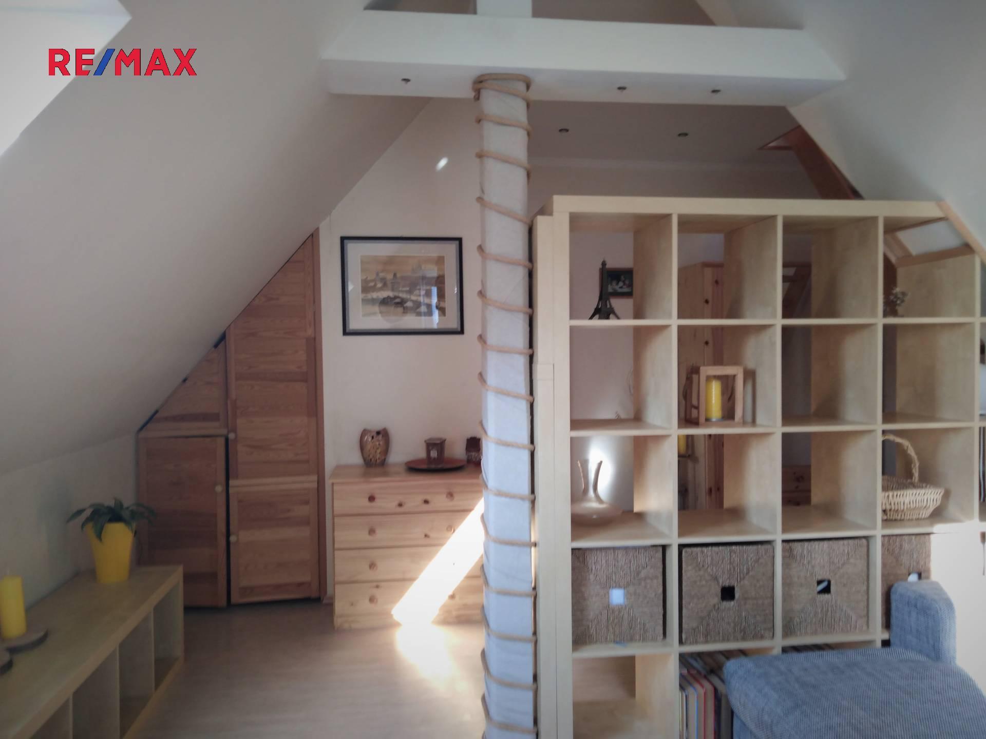 Prodej rodinné vily 194 m², pozemek 300 m² ulice Karla Aksamita, Teplice – část obce Trnovany
