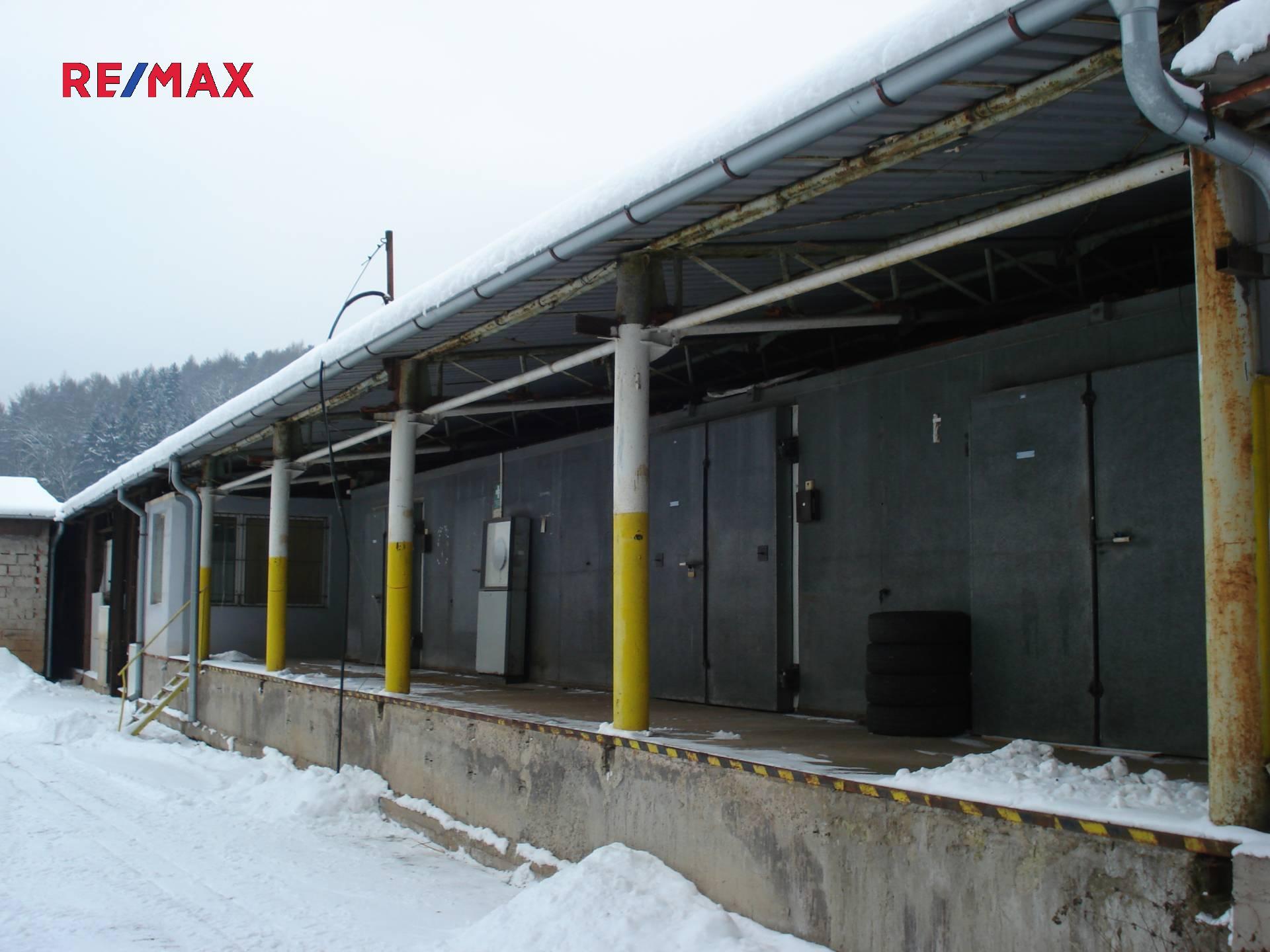 Prodej – částečně pronajatý obchodní areál 1700m² Ústí nad Orlicí.