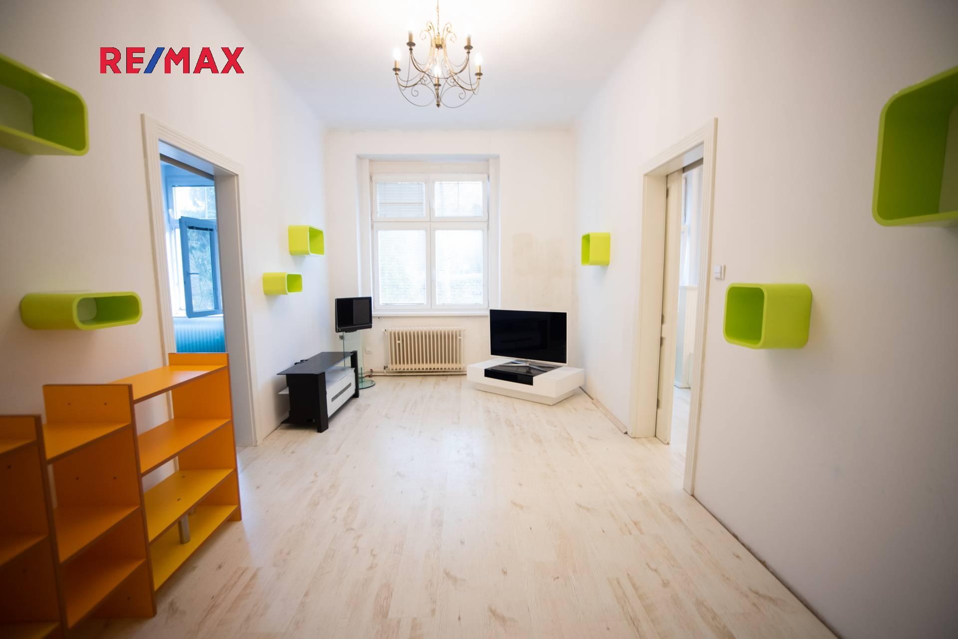 Prodej luxusního bytu 4+kk s balkonem 129 m2 s garáží, Karlovy Vary