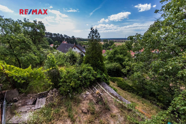 Pozemek s výhledem na Mělnicko