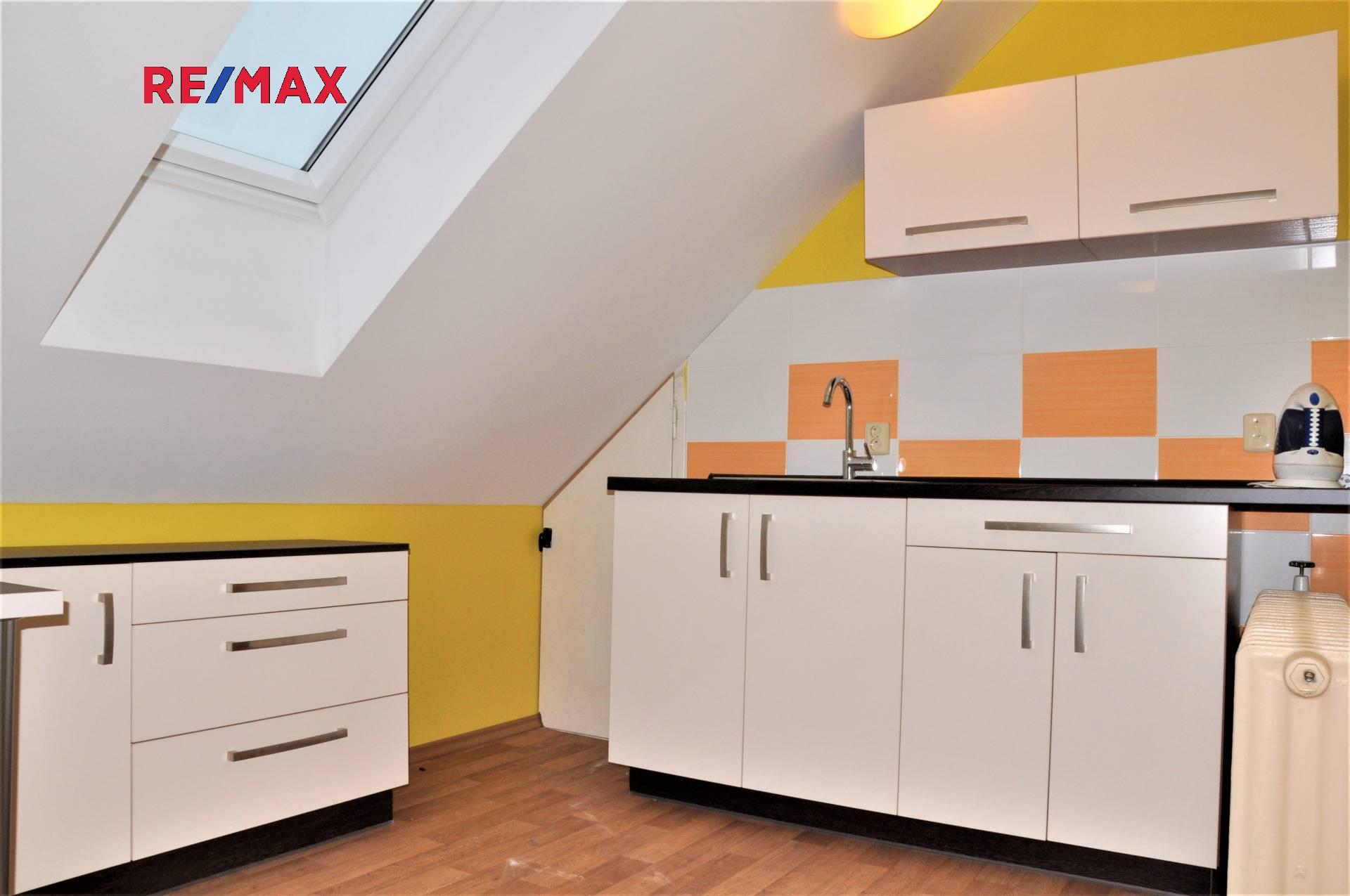 Prodej rodinného domu 232m² se zahradou a kovodílnou v Českých Budějovicích