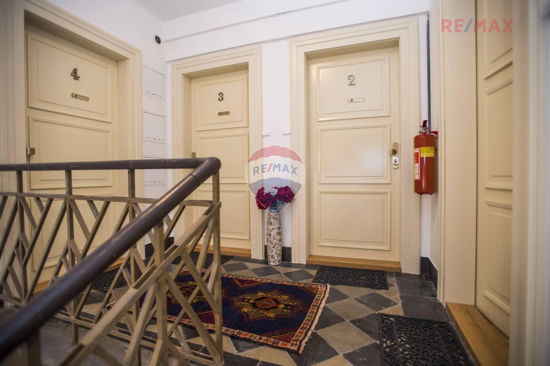 Pronájem zařízeného 3+1, 108 m2, Praha 7 – Tusarova